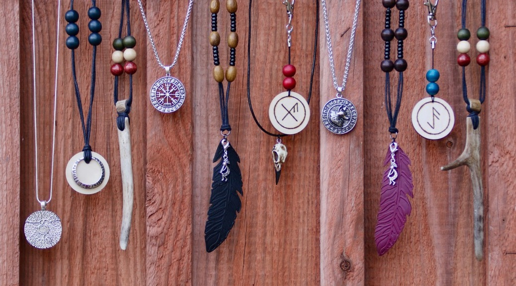 Amuletti Talismaani Riimutalismaani Amuletit ja talismaanit Kolmas Silmä Puoti verkkokauppa