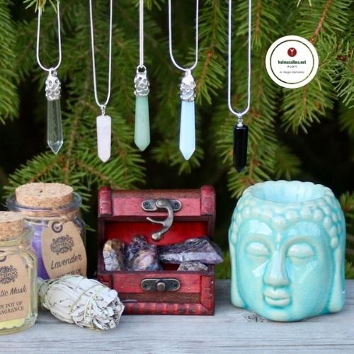 Tuoksulyhty buddhan pää Kristallitikari Kivet ja kristallit netistä Soijavaha kynttilä Valkoinen salvia suitsukenippu Auraliitti raakapala